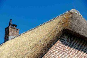 Een rieten dak zelf leggen