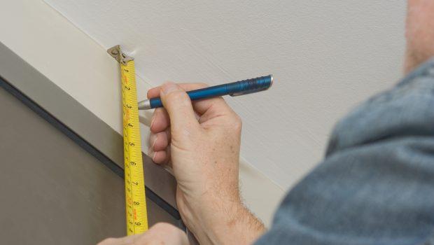 Badkamer Gordijn Rails : Gordijnrails ophangen vijf handige tips bouwsuper