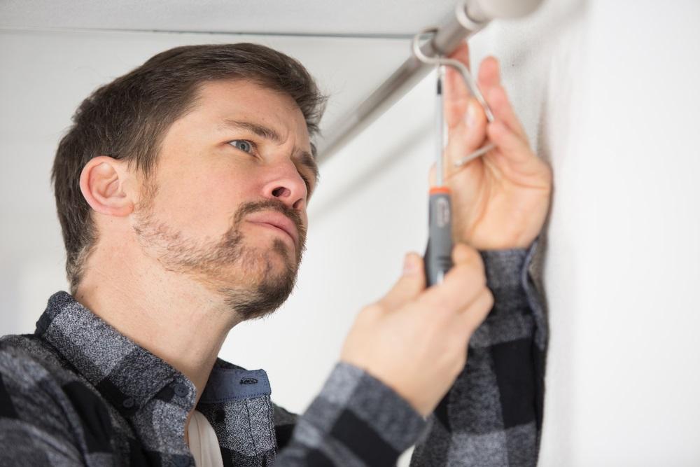 Gordijnrails ophangen; 5 tips