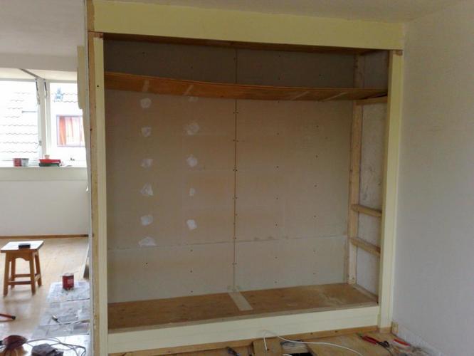 Zelf een inbouwkast maken in 9 stappen - Bouwsuper