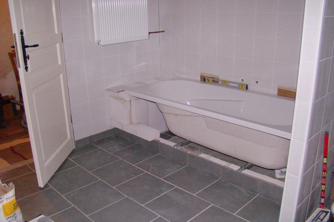 Badkamer Opnieuw Betegelen : Zelf je badombouw maken drie methoden bouwsuper