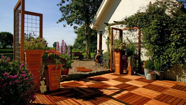 Houten Tegels Tuin : Je tuin een warme uitstraling geven bouwsuper