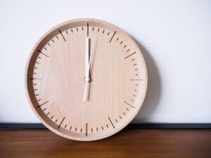 Een houten klok maken