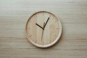 1. Een houten dominoklok maken