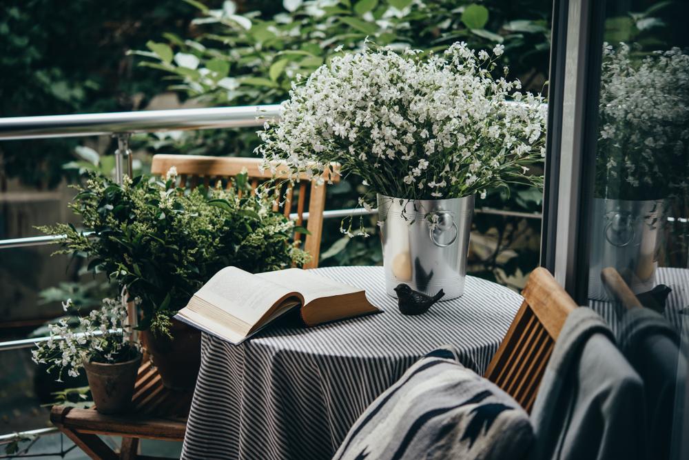 Gezellig Zonnig Balkon : Immobilien gezellig appartement slaapkamers balkon