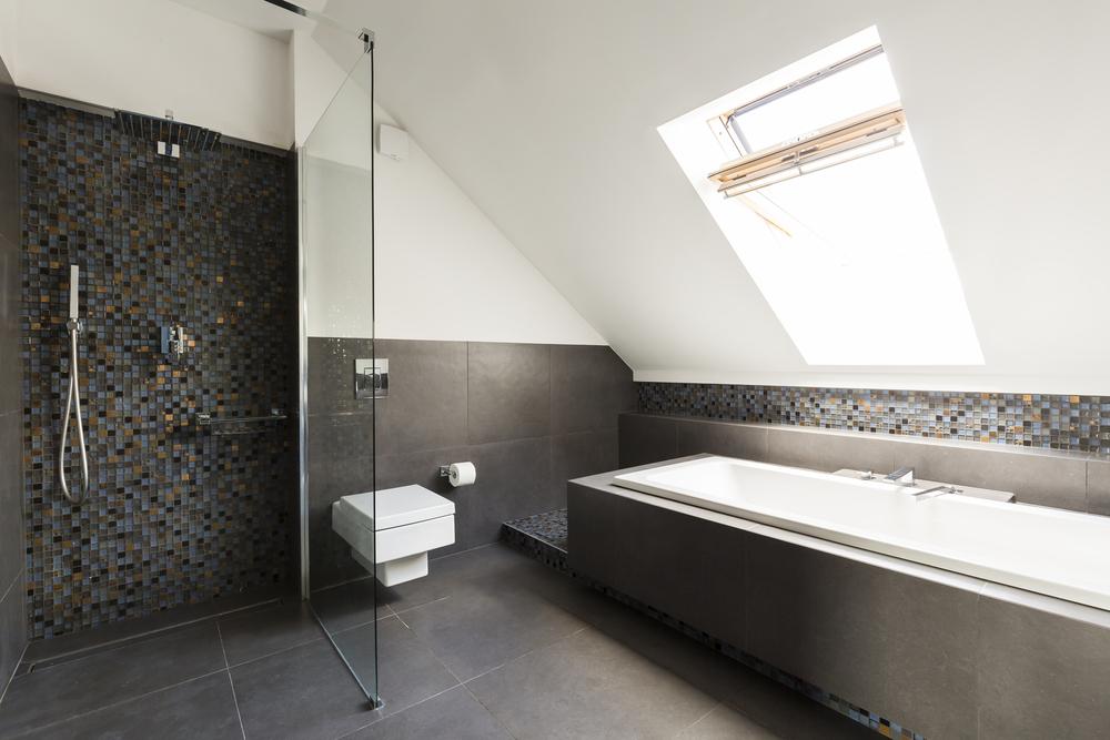 Mozaiek Tegels Plaatsen : Verschillende soorten tegels voor in de badkamer bouwsuper