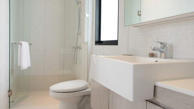 Zo laat je een kleine badkamer groter lijken bouwsuper