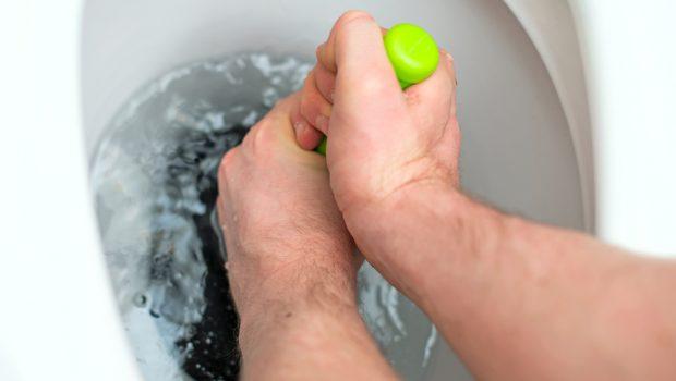 Water Trekt Weg Uit Wc.Snel En Makkelijk Je Wc Ontstoppen Met Deze Tips Bouwsuper