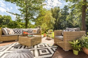 Terrastapijt in je zithoek buiten geeft een gezellige en warme sfeer