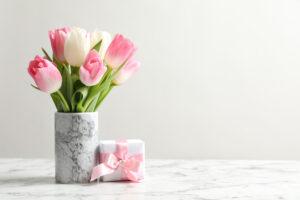 DIY: Maak je eigen vaas met marmerlook